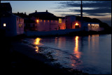 Bowmore distilleri at dusk