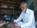 Bookbinder In Samahni