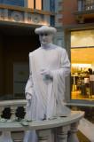Living Statue inside the Venetian