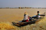 Sur le lac Tonle sap,mais attention au serpent