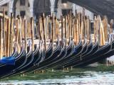 Gondole beneath Rialto Bridge