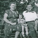 Grandma Rose  Karen and Grandpa Isadore.jpg