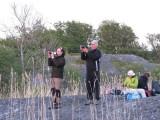 Ewa och Bengt fångar solnedgången