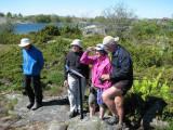 Bosse, Alice, Sara och Bengt läser om labyrinterna