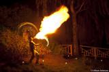 som sprutade eld i natten.