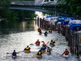 Många fina träbåtar i kanalen