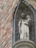 Staande Maria met Kind (koningin) - Gentpoortstraat 16