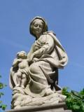 Zittende Maria met Kind - Onze Lieve Vrouwkerkhof Zuid