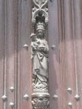 Maria met Kind (koningin) - Deur O-L-Vrouwekerk