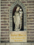Staande Maria met Kind (koningin) - Gentpoortvest 27