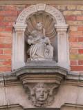 Zittende Maria met obstinatig Kind - Gapaardstraat 10