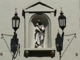 Staande Maria met Kind (Koningin) - Hooistraat 29