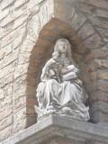 Zittende Maria met Kind - Artoisstraat 3
