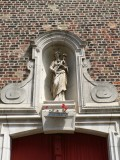 Staande Maria met Kind (Koningin)  - Kreupelenstraat 17