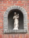 Staande Maria met Kind (koningin) - Zilverstraat 17
