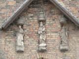 Staande Maria met Kind (koningin) - Boeveriestraat 45