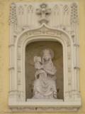 Zittende Maria met Kind - Ezelstraat 105