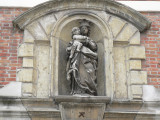 Staande Maria met Kind (Koningin) - Naaldenstraat 23