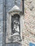 Genthof 48  - Staande Maria met Kind