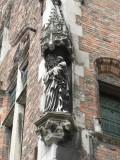 Vlamingstraat  82  - Staande Maria met Kind (Koningin)