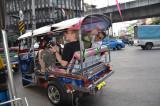 Les bogoss en tuk-tuk à Bangkok