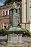 Zsolnay fountain