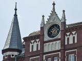 Unicum clock building