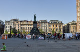Meeting place for Krakówians: Adam Mickiewicz statue