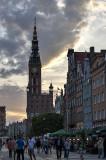 Długi Targ, still a lively place at sunset