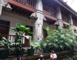 Courtyard colonade, Temple of the Sacred Tooth Relic
