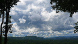 THREATENING CLOUDS  -  MILLS RIVER VALLEY - 16:9 ASPECT