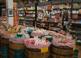 A DISPLAY TO ACTIVATE YOUR SWEET TOOTH  -  ISO 800 - NO POST-PROCESSING NOISE REDUCTION