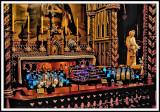 Les bougies sur l'autel de Notre-Dame