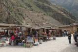 Ollantaytambo market and ruins