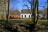 Eenrum - Boerderij 'Den Oever' met steenhuis