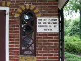 Zeerijp - Jacobuskerk grafhuisje