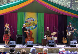 Rani Arbo and Daisy Mayhem - Pine Tree Stage