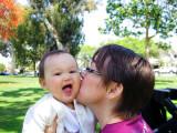 20100724_Mom_Kiss.jpg