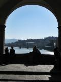 Firenze. Ponte Vecchio. Balcón sobre el rio Arno