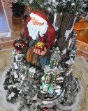 More traditional Santa Claus in South Coast Plaza!