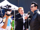 Sun News Interviews Elvis in downtown Collingwood - 2012