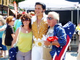 Elvis and fans pose in Collingwood - 2012