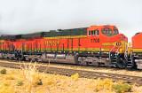 BNSF 7700 a T55 GEVO.