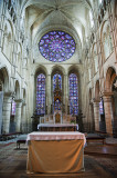 Altar and rose window in Laon Cathedral