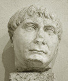 TETE DE ROMAIN  MUSEE LAPIDAIRE
