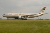 Etihad Airbus Airbus A330-200  A6-EYE