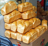 P5201515_breadloaves_800.jpg
