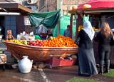 PC273101_akko fruitstand