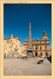 Arles place de la république  obelisque