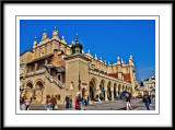 As I walk around this beautiful square already I think it would be great to come back and stay in Krakow...